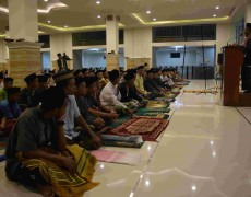 Sholat Gerhana di Pondok Ngabar